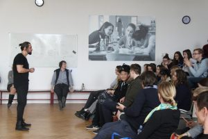 Visiting lecturer addresses ECP students on Media's Influence on Politics and Socety